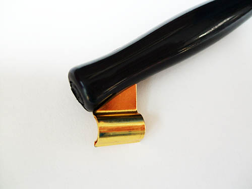 Oblique penhouder met metalen klem